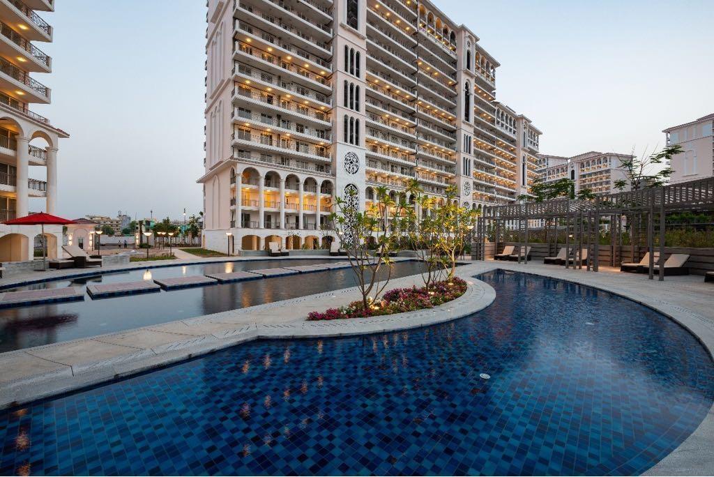 the-skycourt-swimming-pool-26722913